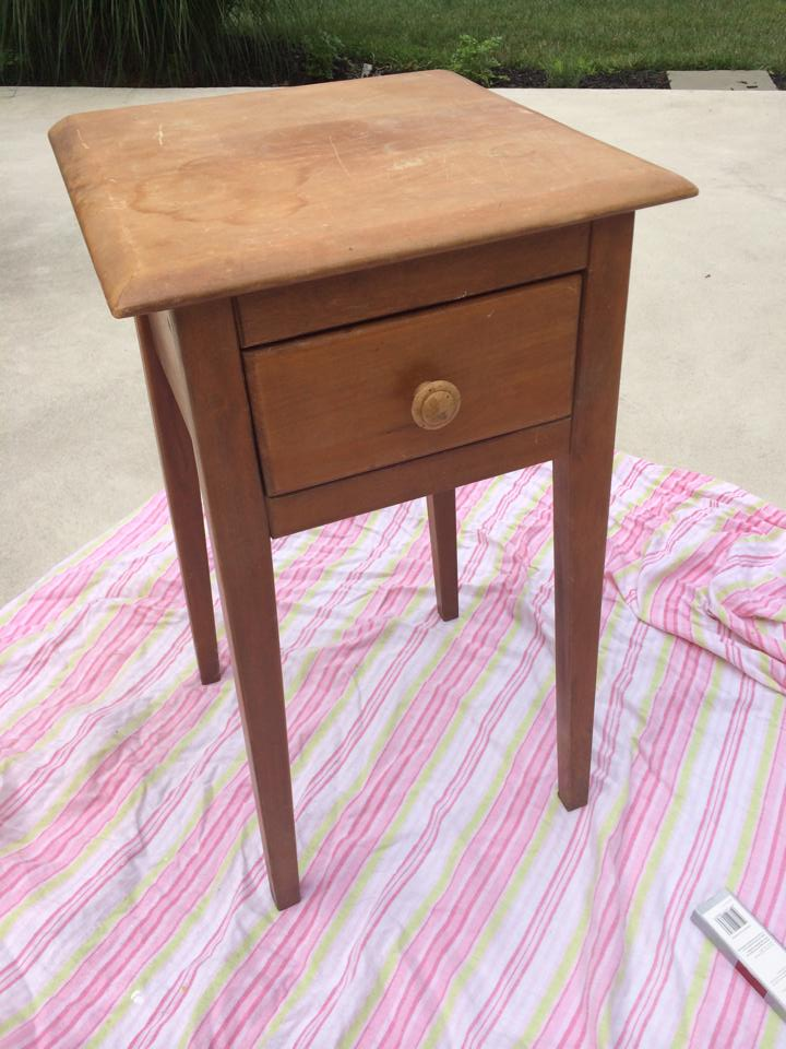 $5 Garage Sale Find - Nightstand